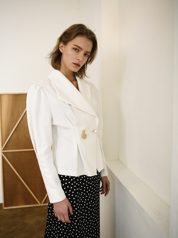 ADELINE UNABALANCED COLLAR JACKET
