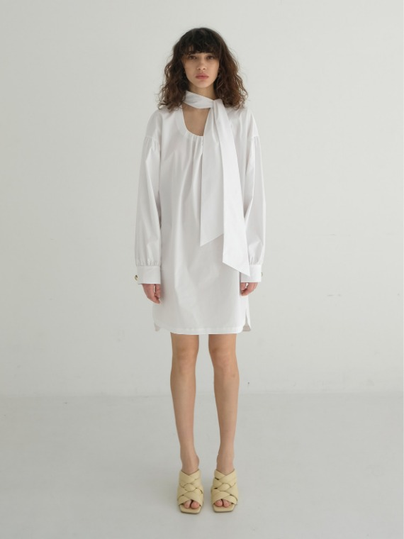 NICOLE NECK BOW TUNIC