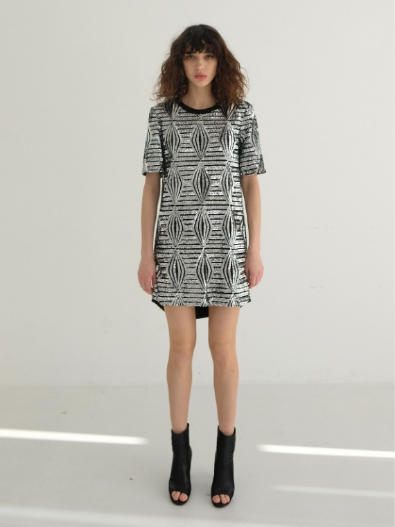 CECE SEQUINED SHORT SLEEVE DRESS